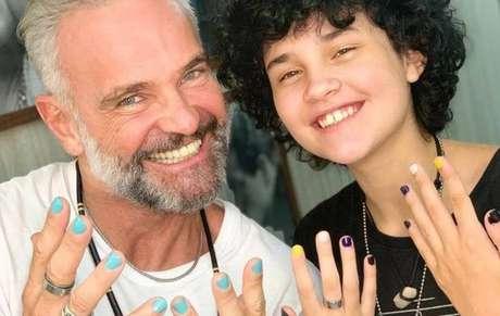 Mateus Carrieri revelou que apoia a transição de gênero de seu filho Domenico