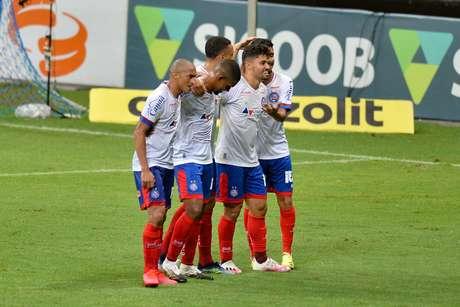 Bahia derrota os reservas do Santos e se garante na Copa Sul-Americana