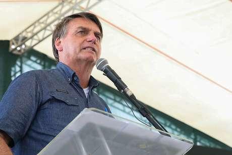 Bolsonaro já havia dito que as pessoas deveriam cobrar o auxílio emergencial dos gestores regionais