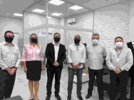 Diretores da Ponte firmaram parceria com a Sicredi (Divulgação)