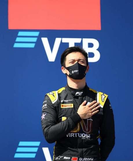 Único piloto chinês a vencer uma corrida internacional de monopostos, Guanyu Zhou seguirá na equipe UNI-Virtuosi Racing em 2021.