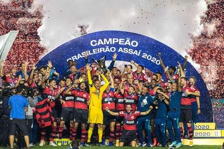Flamengo está muito à frente dos rivais Vasco, Fluminense e Botafogo no ranking da CBF