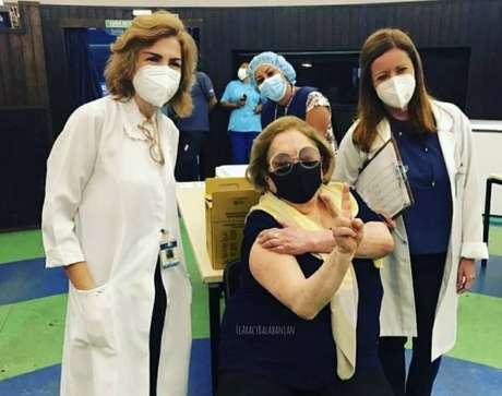 A atriz Aracy Balabanian, que tomou a primeira dose da vacina contra covid-19