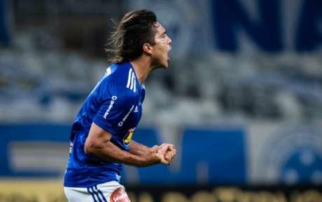 Moreno tenta recuperar o bom futebol após uma temporada ruim pela Raposa-(Foto: Bruno Haddad/Cruzeiro)