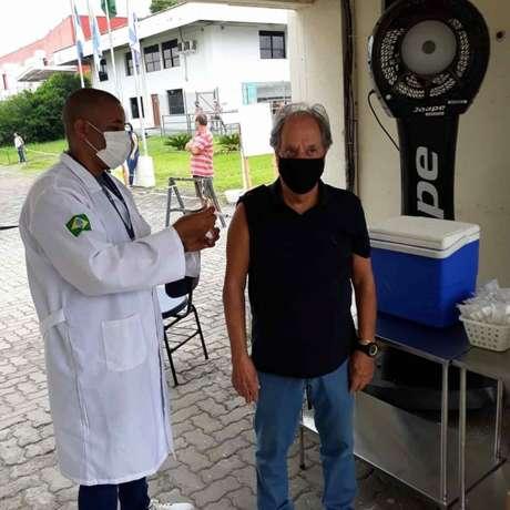 Vacinado, Garotinho está atualmente na Rádio Antena 1 (Reprodução/Twitter Garotinho)