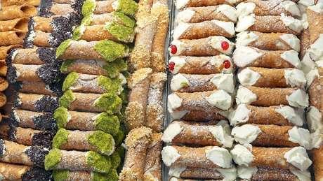 Com o tempo, a maioria dos cannoli sicilianos mudou de sabor e ingredientes
