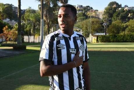 Robinho foi anunciado pelo Santos no dia 10 de outubro, mas não jogou (Foto:Divulgação/Santos)