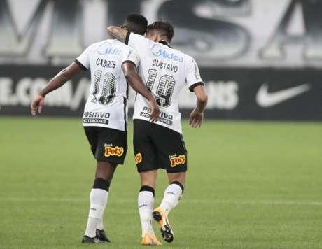 Cazares e Mosquito podem voltar a atuar juntos no time titular do Corinthians (Foto: Rodrigo Coca/Ag. Corinthians)