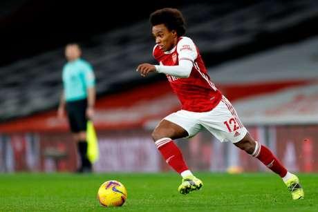 Willian é destaque do Arsenal (Foto: IAN KINGTON / IKIMAGES / AFP)