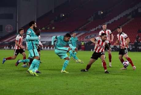 Firmino fez boa atuação contra o Sheffield (Foto: LEE SMITH / POOL / AFP)