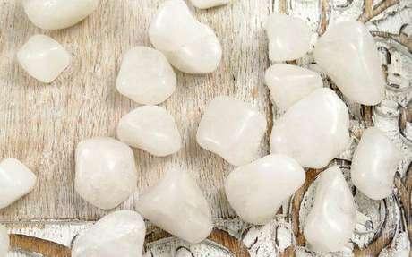 Pedra quartzo-branco