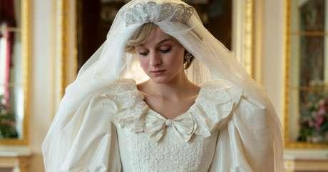 """Emma Corrin foi premiada por interpretar a princesa Diana em """"The Crown"""""""