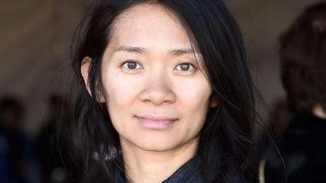 """Chloe Zhao, diretora de """"Nomadland""""."""