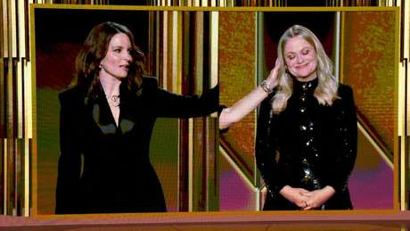 Tina Fey e Amy Poehler sediaram a cerimônia de Nova York e Los Angeles, respectivamente