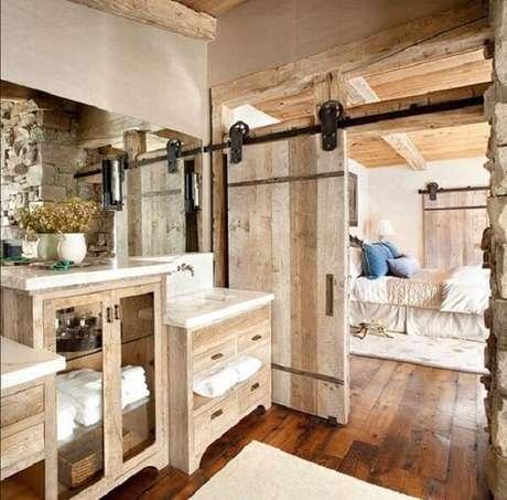 27. As roldanas robustas dessa porta de correr para quarto se destacam na decoração. Fonte: Revista Viva Decora 2