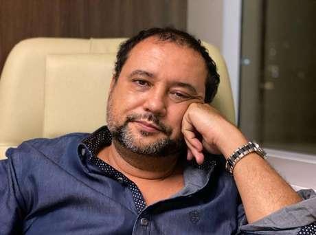 O apresentador Geraldo Luís está internado com covid-19