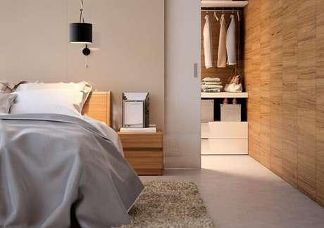 29. Existem diferentes modelos de porta de correr para quarto com closet. Fonte: Pinterest