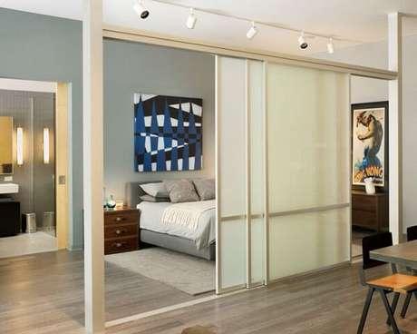 14. A porta de correr para quarto quando fechada separa os ambientes integrados. Fonte: Revista Viva Decora 2