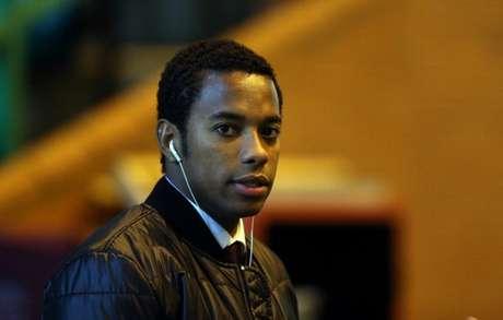 Robinho está com 37 anos e afirmou, em 2020, tirar tempo para estudar caso (Foto: AFP)