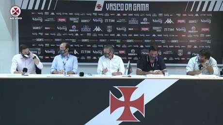Diretoria do Vasco fez uma live explicando o momento do clube após a queda (Imagem: Reprodução / Vasco TV)