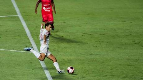 Igor Gomes fez um bom primeiro tempo, quase abrindo o placar (Foto: Agência LANCE!)