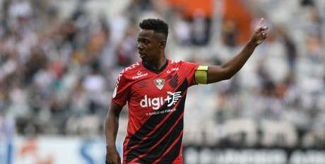 Wellington chega de graça após término do vínculo com o Athletico (Foto: Divulgação/Athletico)