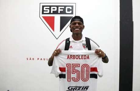 Arboleda alcançou a marca de 150 jogos com a camisa do São Paulo (Foto: Reprodução)