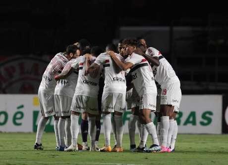 São Paulo enfrenta a Inter de Limeira pelo Paulistão (Foto: Rubens Chiri/saopaulofc.net)