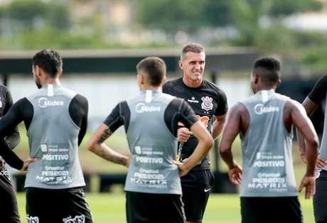 Corinthians está dependente de resultado de teste para se preparar para o Dérbi (Foto: Rodrigo Coca/Ag. Corinthians)