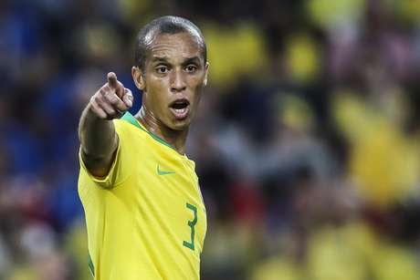 Miranda, em ação pela Seleção Brasileira, na Copa de 2018