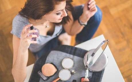 Use e abuse de seus perfumes para atrair os olhares de quem você deseja -