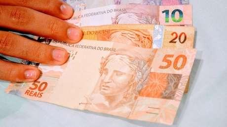Sob efeito da pandemia do coronavírus, PIB sofreu encolhimento histórico em 2020 e ano entra para a lista dos piores períodos da economia brasileira