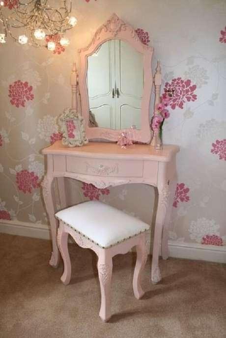 38. Penteadeira rosa bebê para quarto de princesas. Fonte: Pinterest