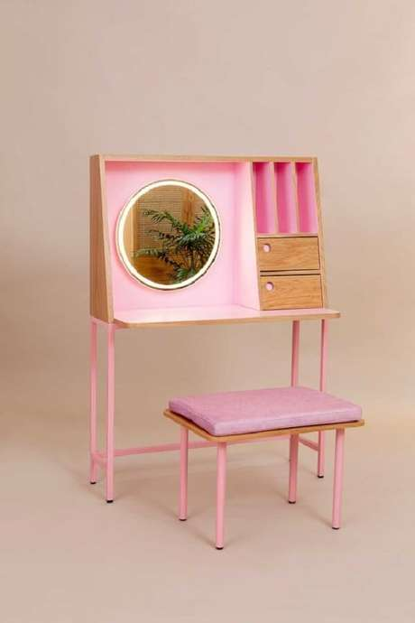 40. Penteadeira rosa com design arrojado. Fonte: Pinterest