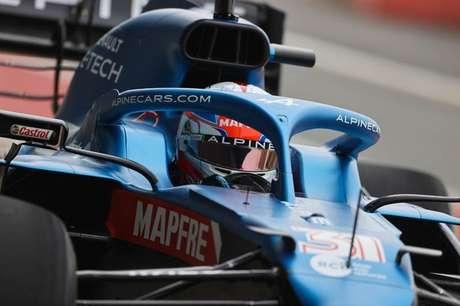 Esteban Ocon participa do shakedown da Alpine em Silverstone