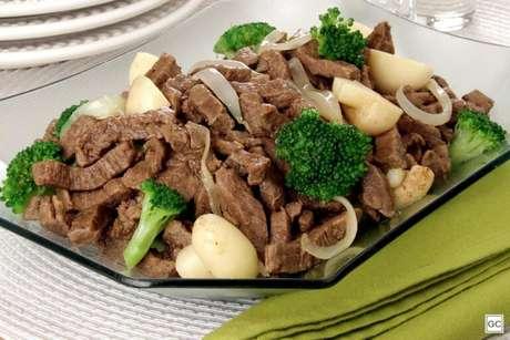 Guia da Cozinha - Receitas de bife e frango em tiras para refeições simples e saborosas