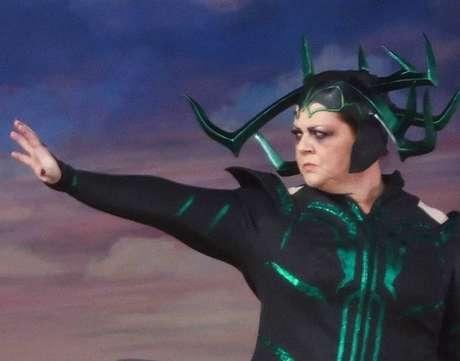 Fotos revelam Melissa McCarthy como Hela no novo filme de Thor