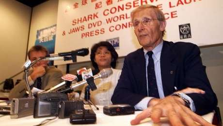 No início dos anos 2000, Benchley viajou para a China e Hong Kong para fazer campanha contra o consumo de sopa de barbatana de tubarão
