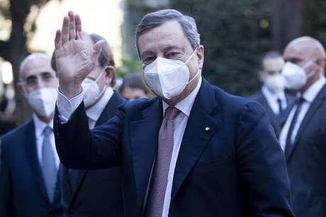 Líderes italiano e britânico conversaram sobre pandemia, Líbia e cúpulas