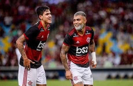 Pedro e Gabigol, ainda no início da temporada 2020, comemoram juntos (Foto: Marcelo Cortes / Flamengo)