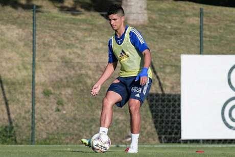 Guedes jogou pouco pelo Cruzeiro na Série B, pois foi emprestado ao Goiás, comandado à época por Enderson Moreira-(Gustavo Aleixo/Cruzeiro)