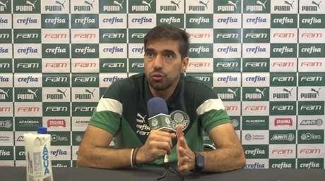 Abel Ferreira em coletiva de imprensa após o Dérbi da Neo Química Arena (Foto: Reprodução)