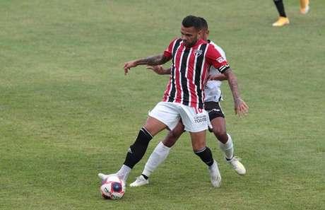 Daniel Alves foi substituido pela primeira vez desde outubro de 2020 (Foto: Rubens Chiri/saopaulofc.net)