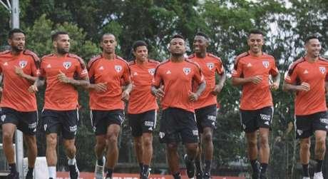 Jogadores durante treino desta quinta-feira (Foto: Reprodução/Twitter @SaoPauloFC)