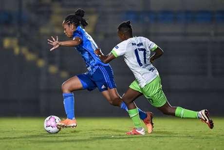 """Capelinha é uma das atletas """"originais"""" das Cabulosas, que completam dois anos em 2019-(Divulgação/Cruzeiro)"""