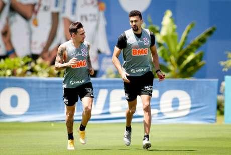 Gustavo Silva e Léo Santos estão se recuperando de lesão (Foto: Divulgação/Agência Corinthians)