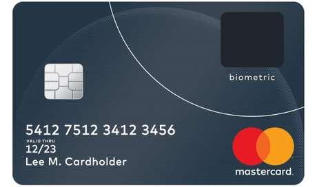 Cartão com biometria da Mastercard, apresentado em 2017
