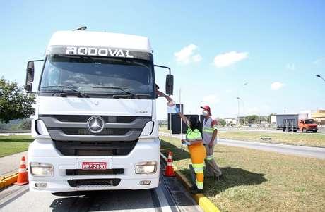 Trecho da rodovia Presidente Dutra, de concessão da CCR, em Guararema (SP)  22/04/2020 REUTERS/Rahel Patrasso