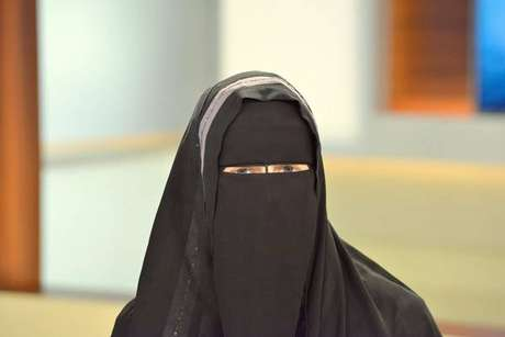 Suíços vão decidir se liberam ou não o uso de niqab ou burca em público