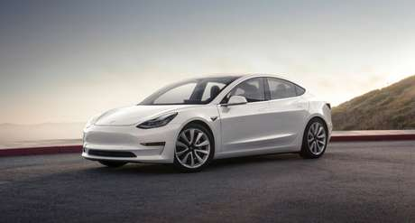 Tesla Model 3 custa a partir de R$ 15.960 no modelo de assinatura